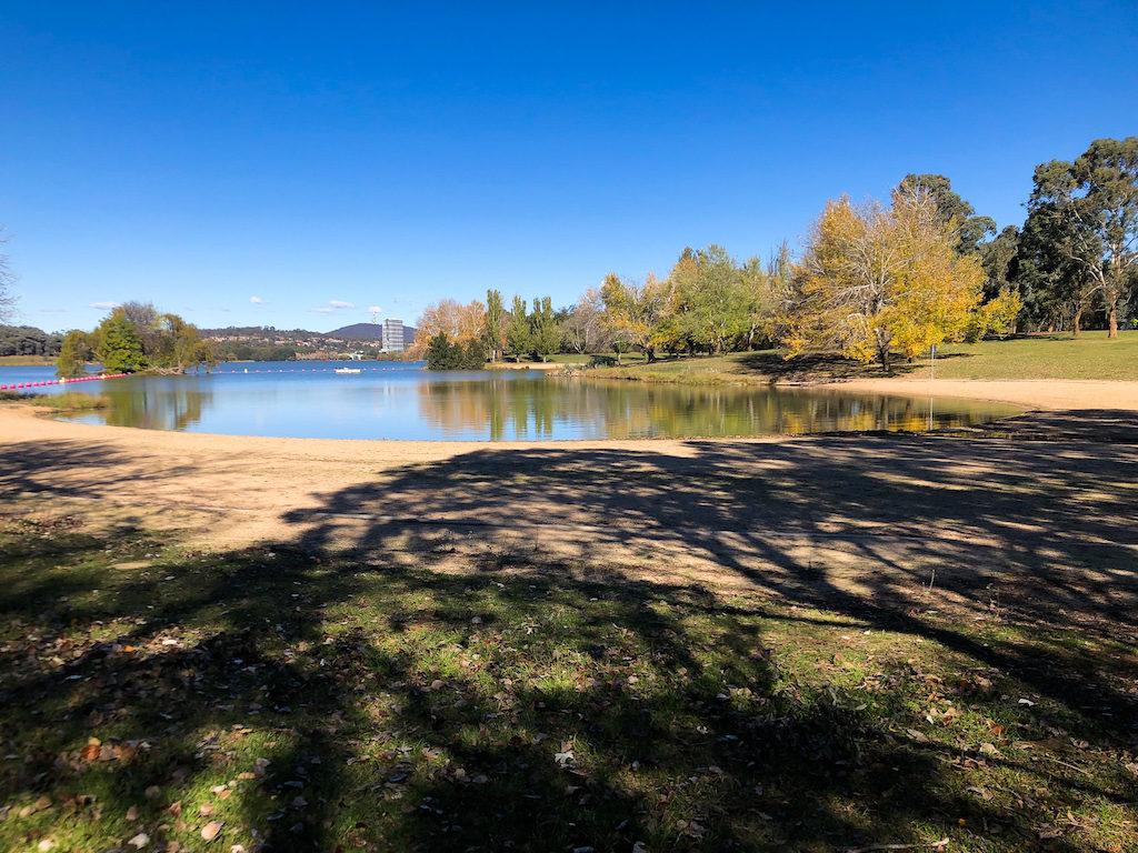 Image take of Lake Ginninderra, Canberra on a crisp autumn day.